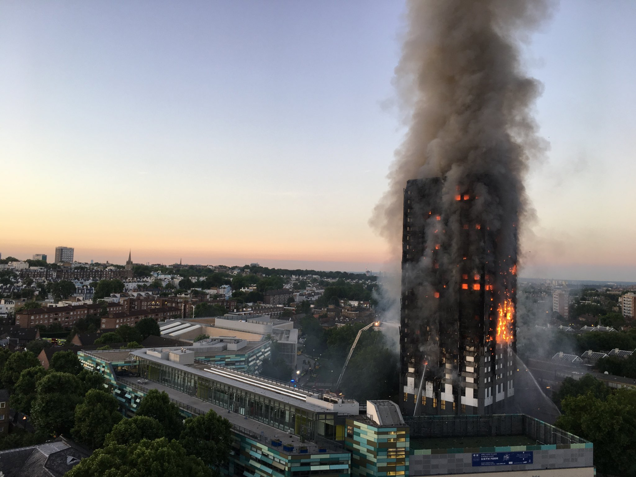 Grenfell Tower fire %28wider view%29